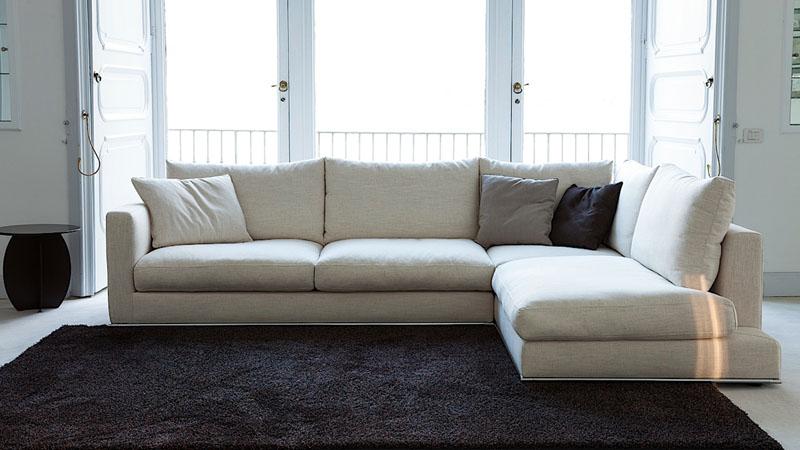 Divano isola prezzi idee per il design della casa for Prezzi per rivestire un divano