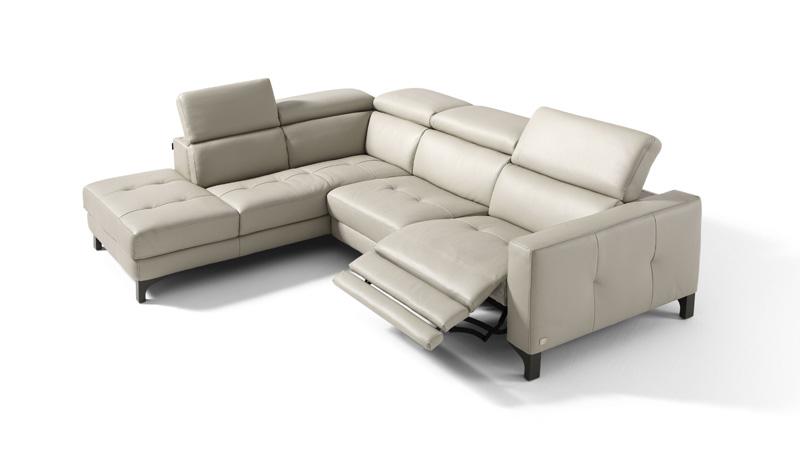 Fabbrica divani varese divani classici in piuma fabbrica for Divani sofa varese